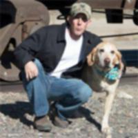 Солдат и его умирающая собака утешают друг друга